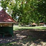 Picnic shelter at Bobbin head (116668)