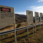 Information signs near Dam wall (137946)