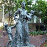 Statue in Jessie Street Gardens (341962)