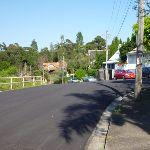 Walking along Edgecliff Rd (342499)